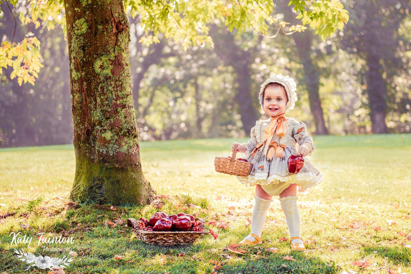 Penelope Apples-3.jpg