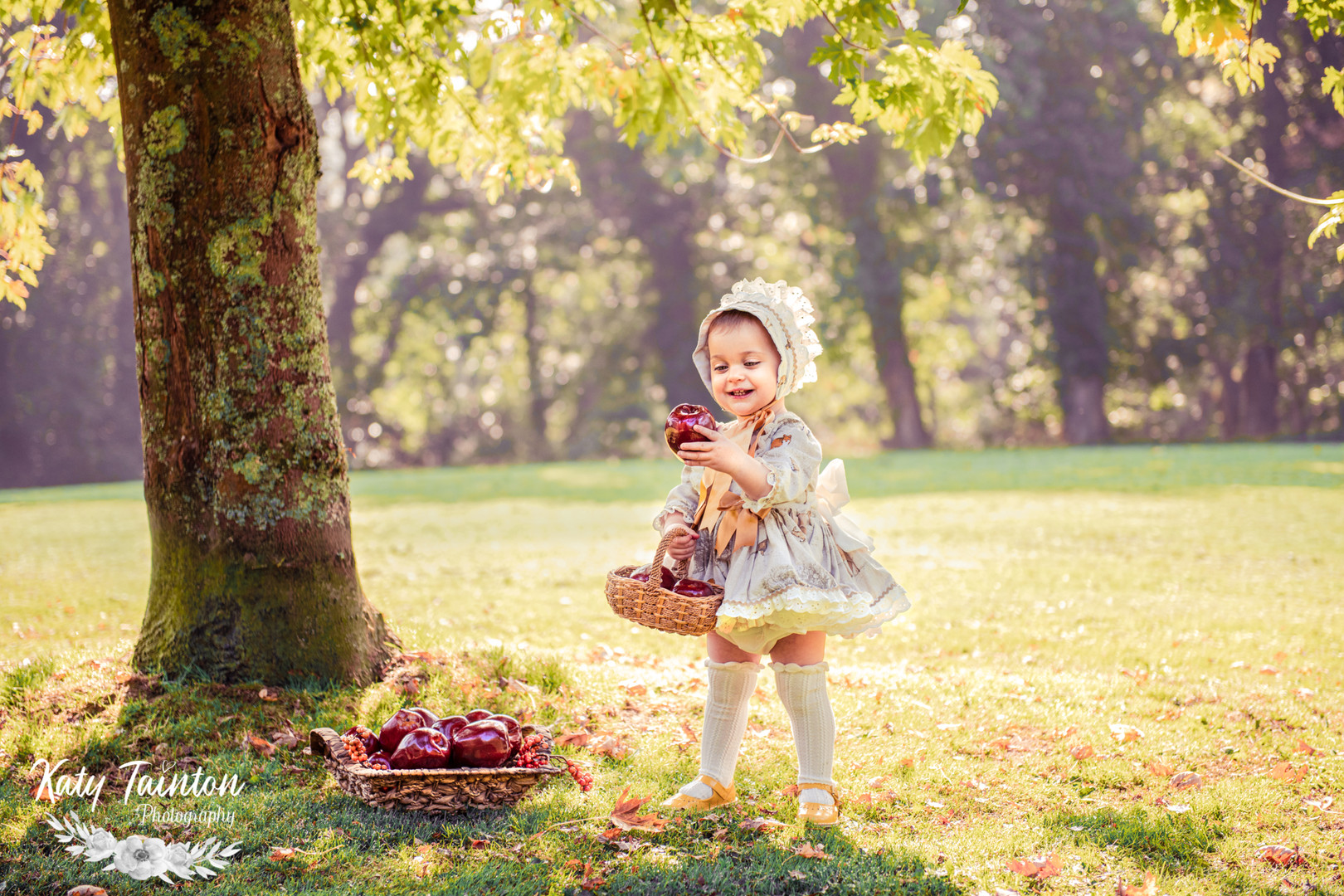 Penelope Apples-2.jpg