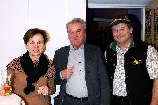 Comedy Hirten  Bgm.Staudinger mit Gattin, Bierbrauer Alfons.jpg