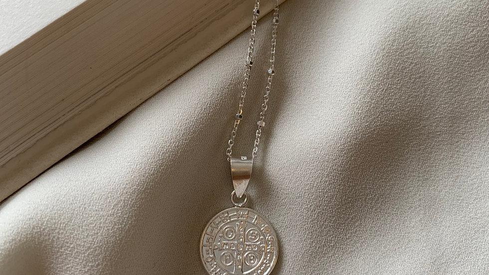 Cadena con medalla San Benito