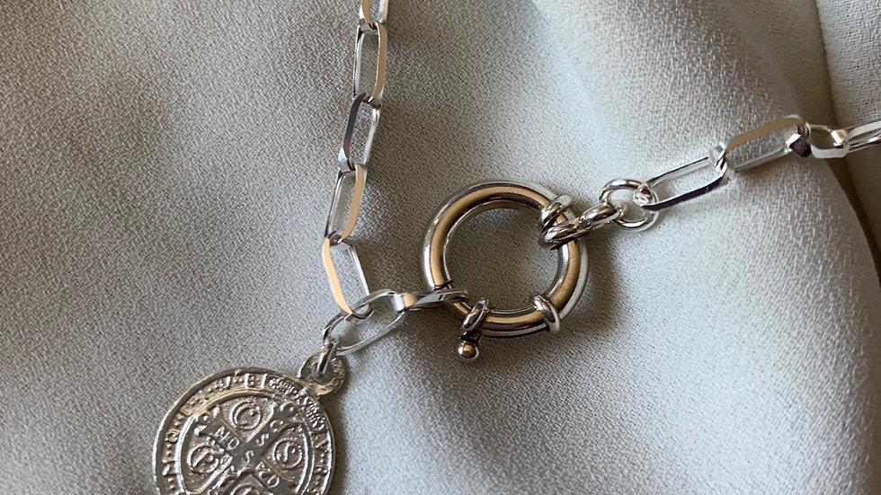Cadena con eslabón y medalla de san Benito