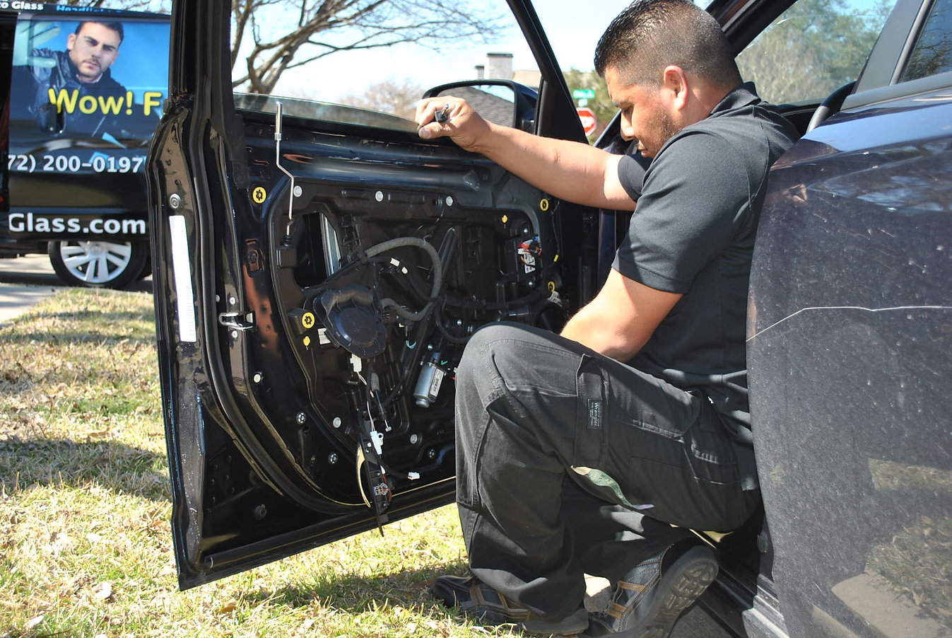auto glass replacement on site