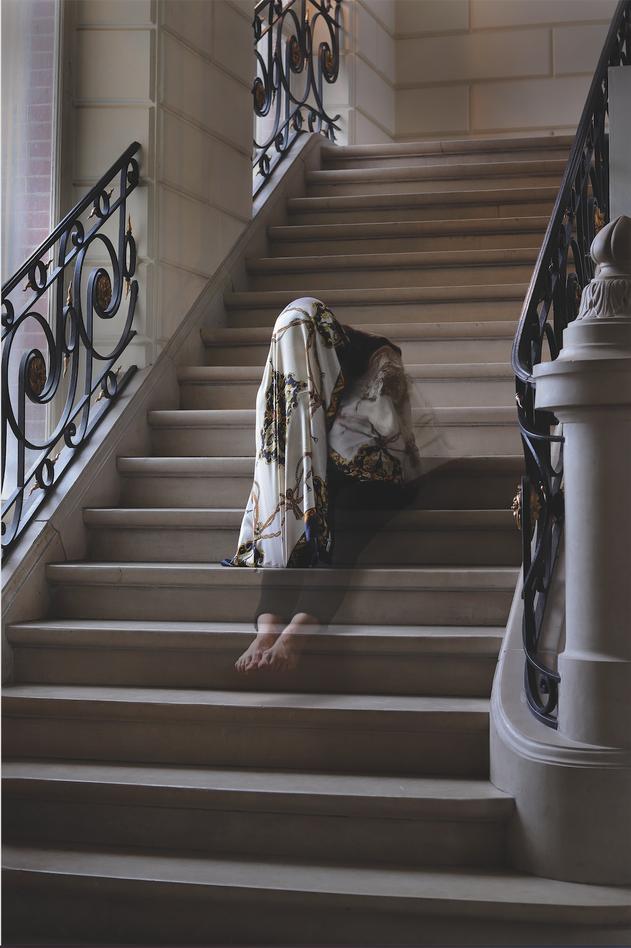 Nu descendant l'escalier