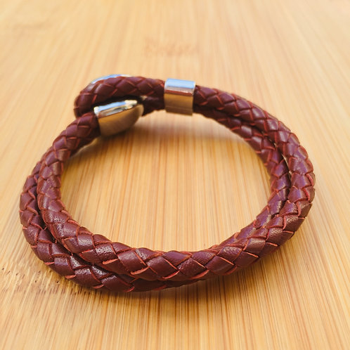 Two cords braided hole clasp