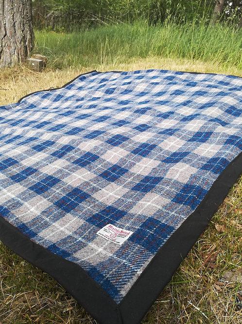 Blue & Beige check Harris Tweed Picnic blanket/picnic rug