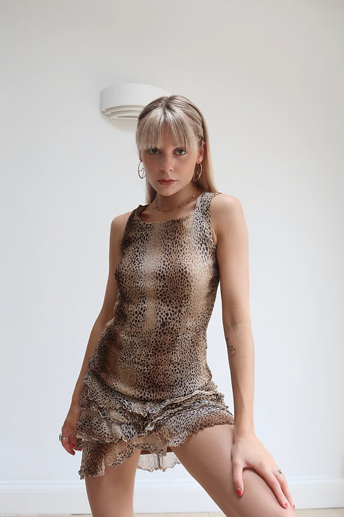 The leopard ruffle midi