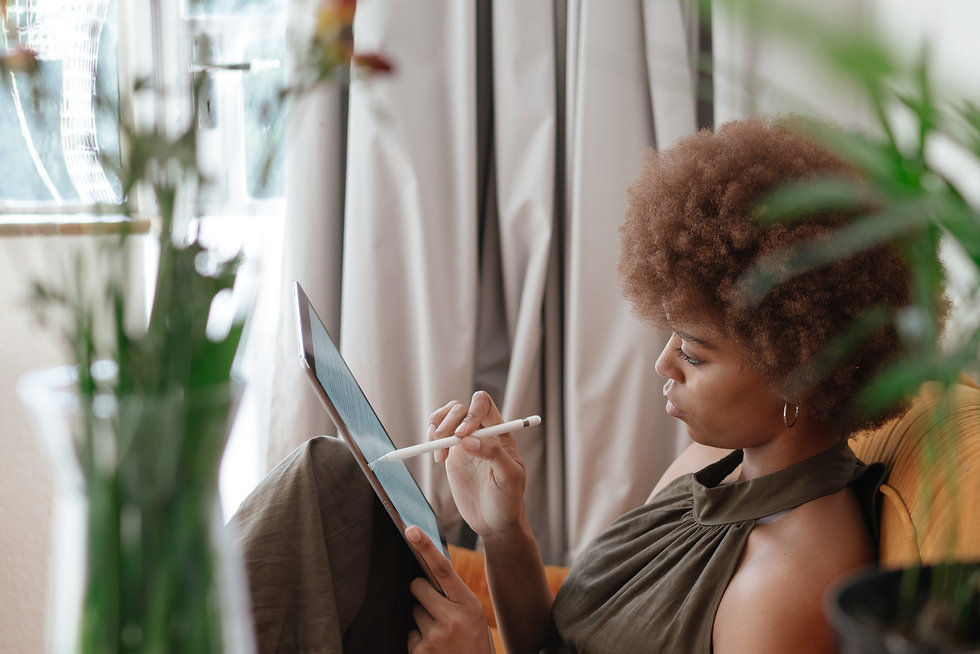 photo-of-woman-using-tablet-3060354.jpg