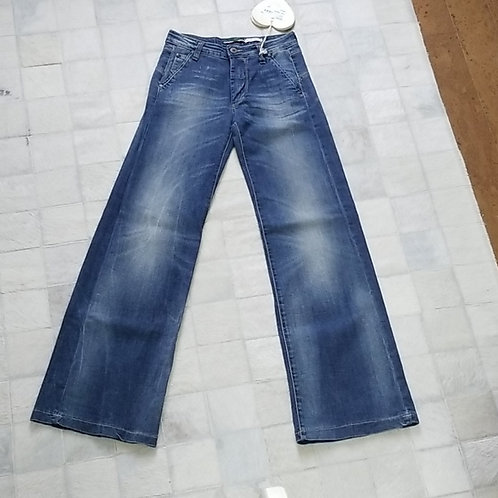 """""""Please"""" jeans"""