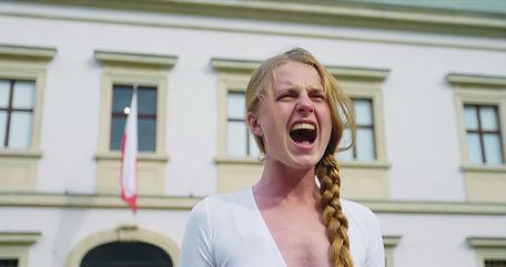 UND JETZT WIR A NOUS AGIR SUSANNE ERLER Jana Shoshtak Belarus Weißrussland