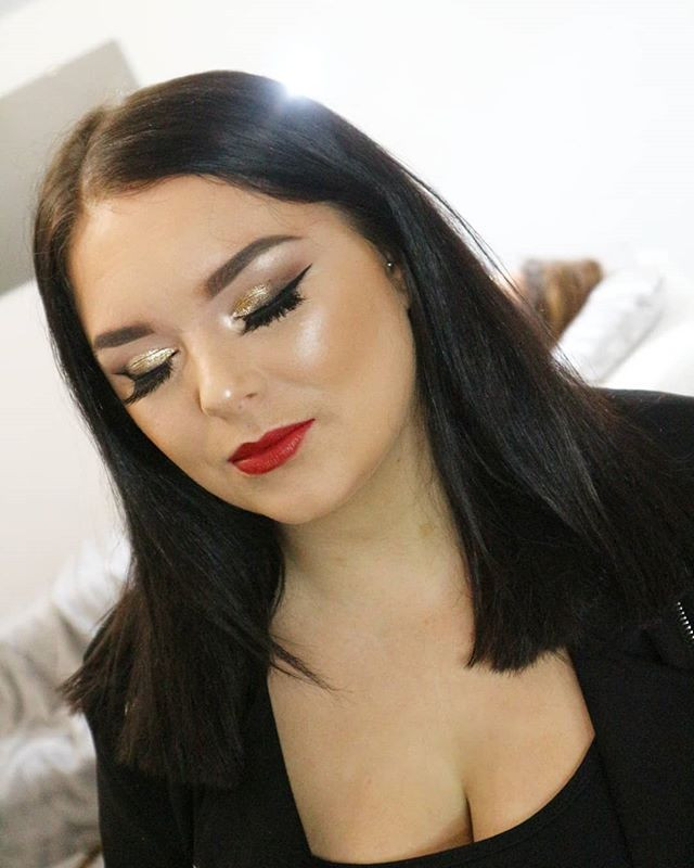 Christmas glam is my favv 😍 Gorgeous Ch