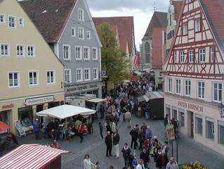 Herbstmarkt in Nördlingen am 18. Oktober, geöffnet von 12.30 bis 17.30