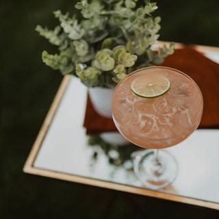 Coniferrretrostyledwedding-Mikaelaantone