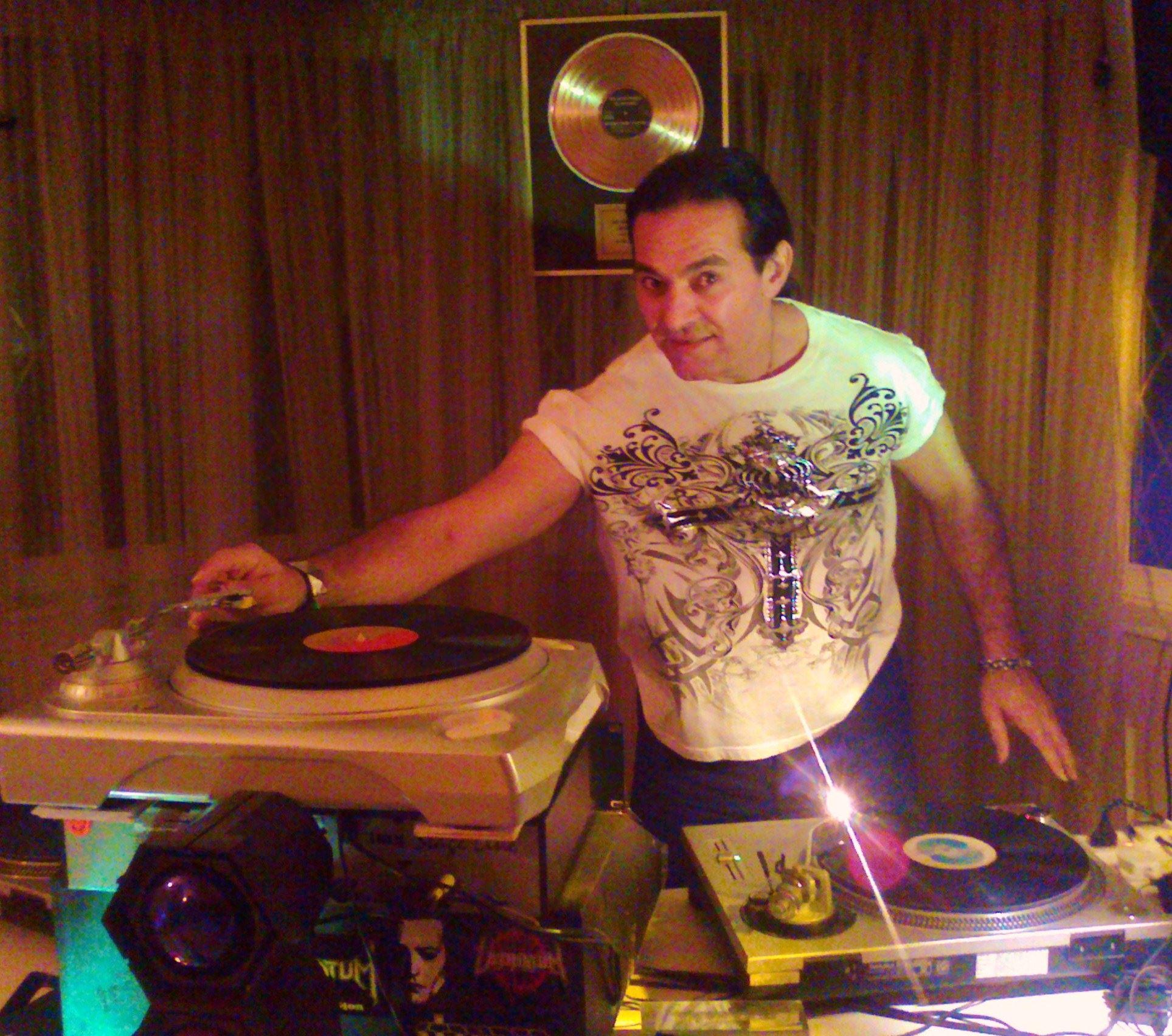 DJ Kikko in action
