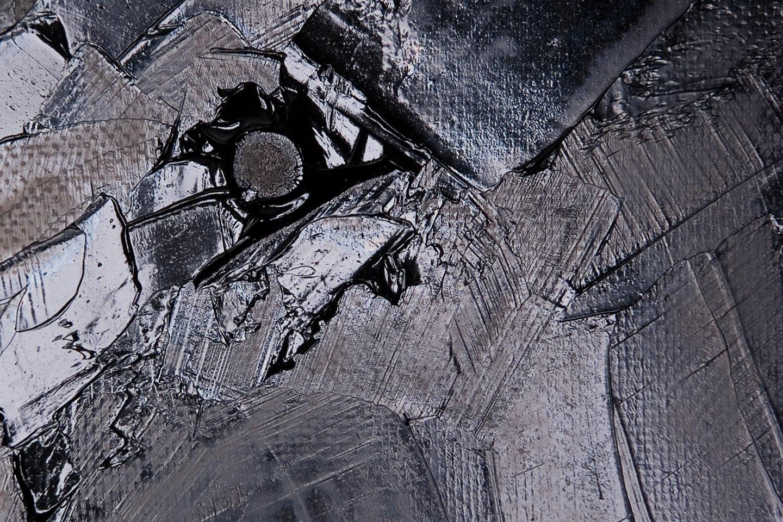 woman on grey detail