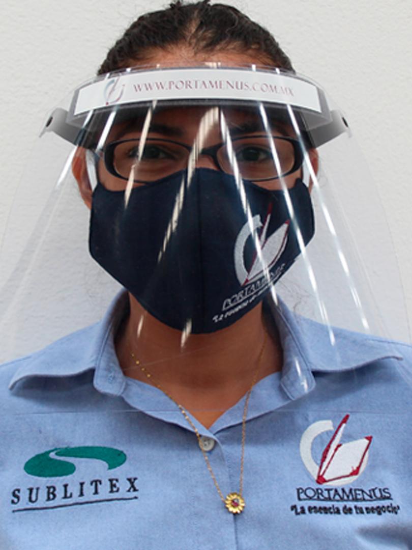 Protector facial sencillo con logo