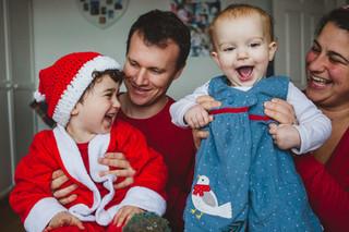 Christmasy family shoot with Safa, Thomas, Eliyas and Sofiya