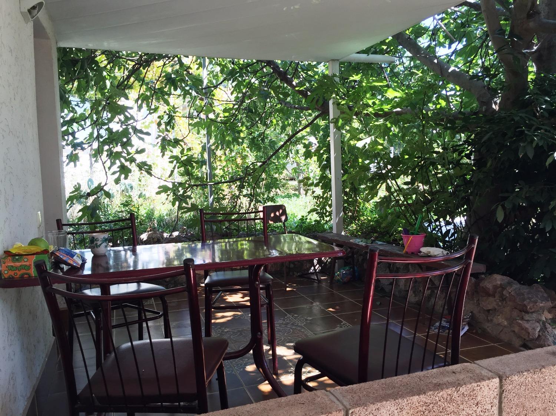 столик/площадка для отдыха на улице