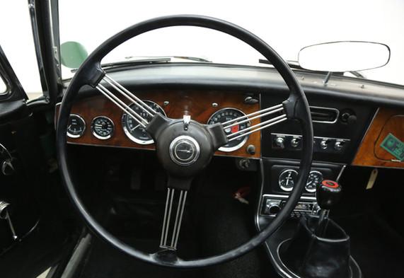 V12-2.jpg