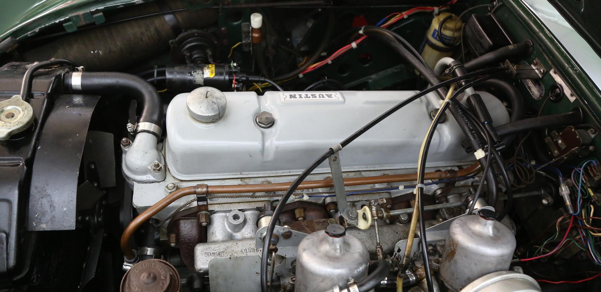 V12-3.jpg
