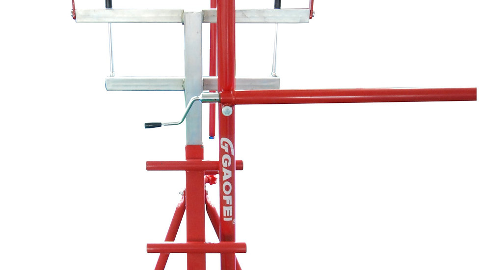 Adjustable spotting platform for uneven bars