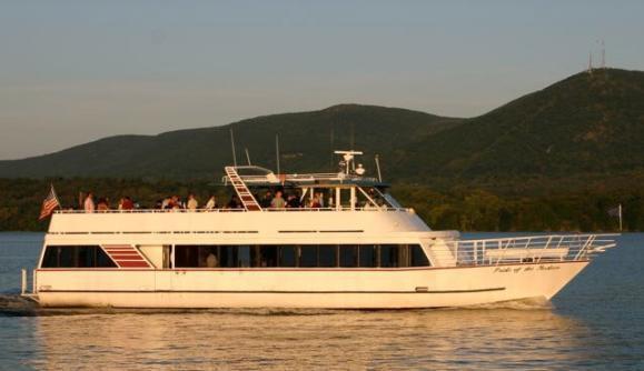 Huden River Yacht.jpg