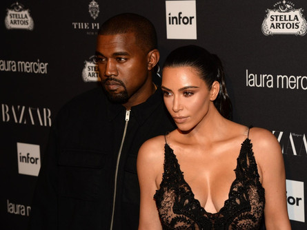 Kanye West is no longer wearing his ring