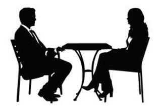 © redline1980 -Fotolia.com - Menschen, Tisch, Sitzen, Prechen, Coaching