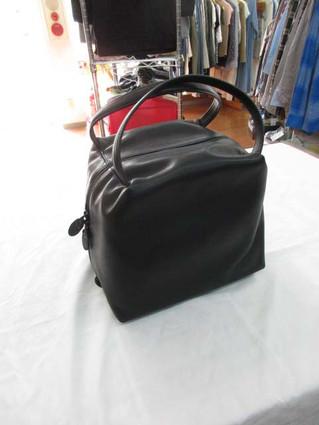 ヨーガンレールのハンドバッグを買い取りました。