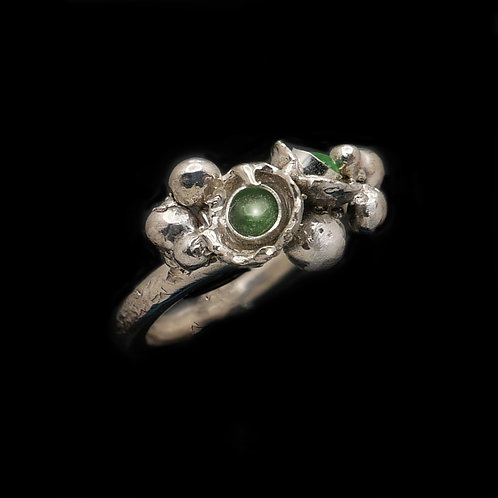 Sterling Silver and Tsavorite Ring. US 4.5
