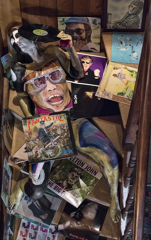 Bodypaintography: 'Elton John'