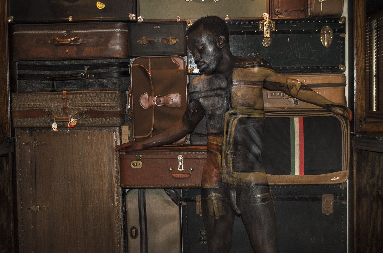 Bodypaintography: 'Suitcases.'