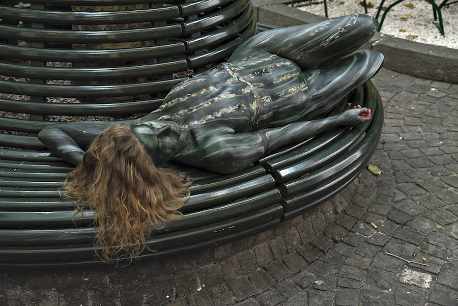 Bodypaintography: 'Bench.'