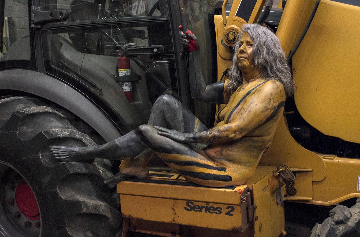 Bodypaintography: 'Excavator.'
