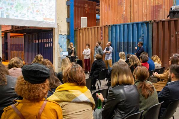 Afterwork DecoWorkers à ICI Marseille - Sandrine Munch Couffy présidente de l'UFDI, présente l'Union Francophone des Décorateurs d'Intérieur