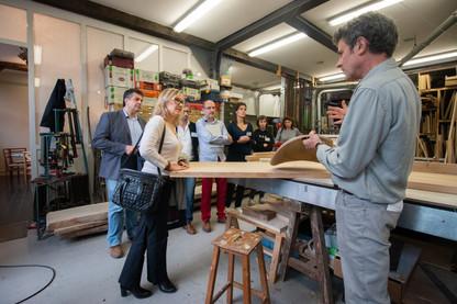 Afterwork DecoWorkers au 37 bis à Paris avec la visite des ateliers d'art et d'artisanat. Visite de l'atelier de Bernard Mauffret artisan ébéniste.