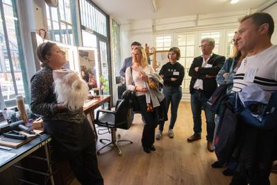 Afterwork DecoWorkers au 37 bis à Paris avec la visite des ateliers d'art et d'artisanat. Guilaine de Perruk nous raconte l'histoire de sa création