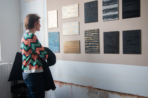 Afterwork DecoWorkers au 37 bis à Paris avec la visite des ateliers d'art et d'artisanat. Fanny Chaix Bryan expose ses textures.