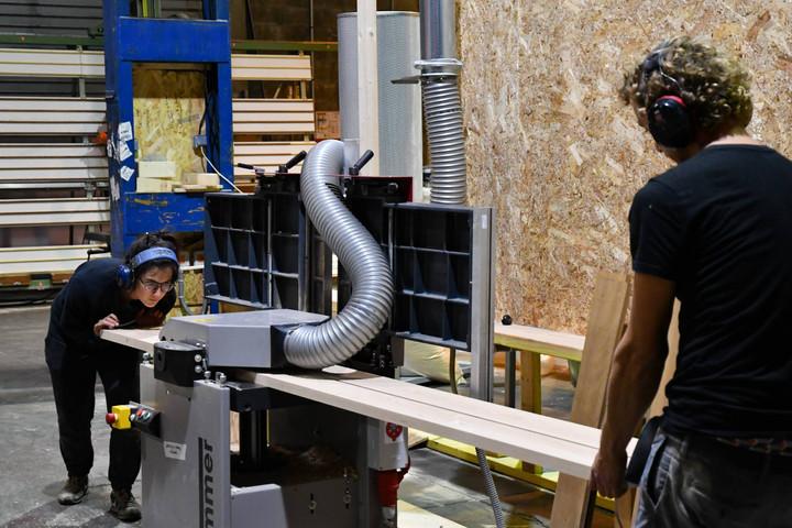 Afterwork DecoWorkers à ICI Marseille - artisans en plein travail du bois