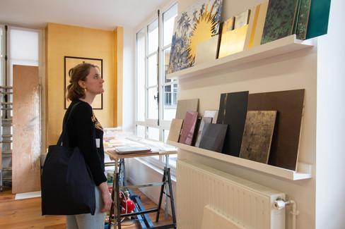 Afterwork DecoWorkers au 37 bis à Paris avec la visite des ateliers d'art et d'artisanat. Découverte des différents échantillons
