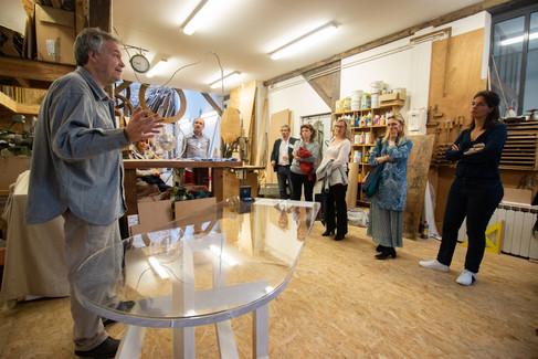 Chez Yves Afterwork DecoWorkers au 37 bis à Paris avec la visite des ateliers d'art et d'artisanat. Yves Fouquet nous présente son travail