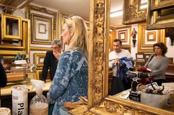 Afterwork DecoWorkers au 37 bis à Paris avec la visite des ateliers d'art et d'artisanat. Atelier de Michel Guillanton encadreur ornemaniste