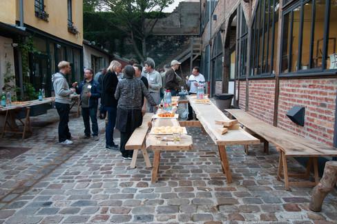 Afterwork DecoWorkers au 37 bis à Paris avec la visite des ateliers d'art et d'artisanat. Cour de l'industrie en plein coeur de Paris, soirée professionnelle et conviviale.