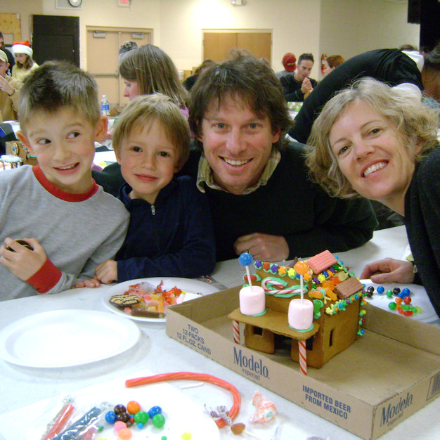 Weehawken's Annual Gingerbread House Workshop