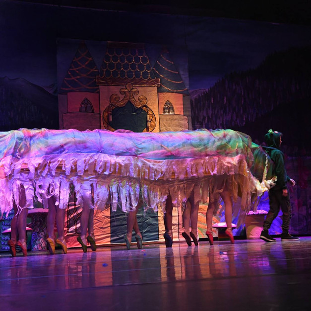 "Weehawken Dance's Caterpillar in ""Alice"""