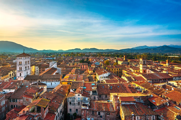 lucca-panoramic-aerial-view-of-city-and-