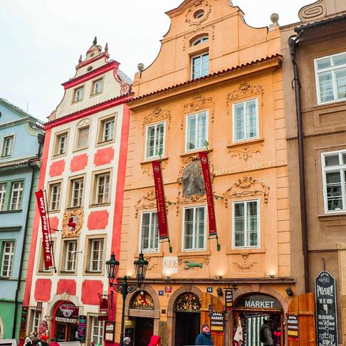 Prag'da nerede kalınır? - Golden Key