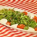 トマト・水牛モッツァレラ・オリーブのサラダ(2人前)