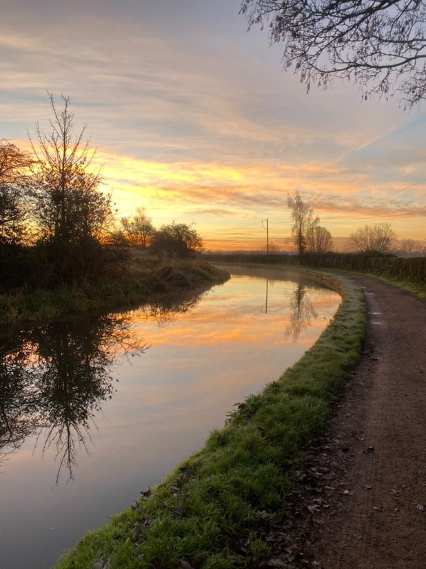 My daybreak 8 mile run. Stone Staffordshire. Advent in the air! Sky in the water.
