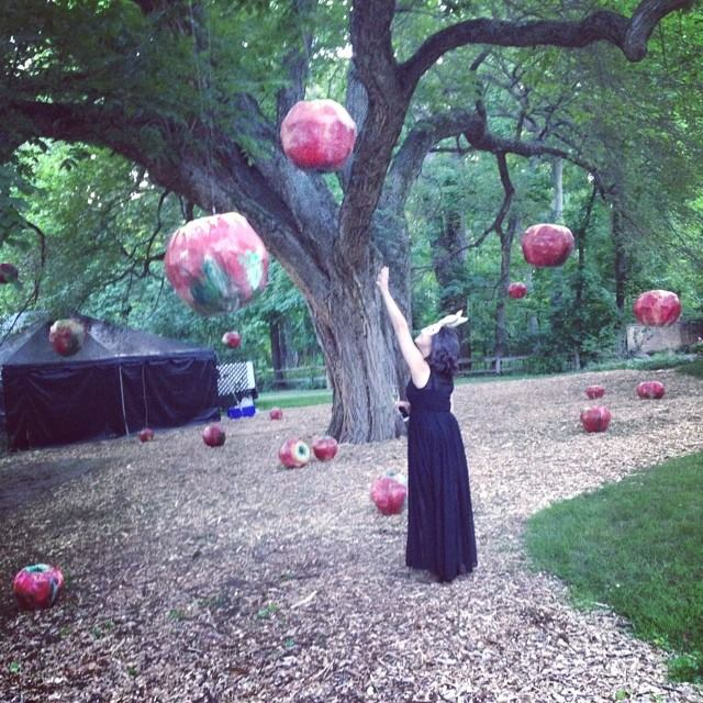 24_Beth_apples_photobyKate