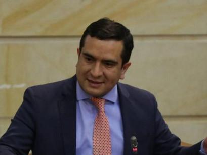 Procuraduría pide negar la muerte política del representante Edward Rodríguez